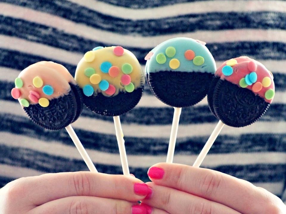 Pastel Oreo Pops