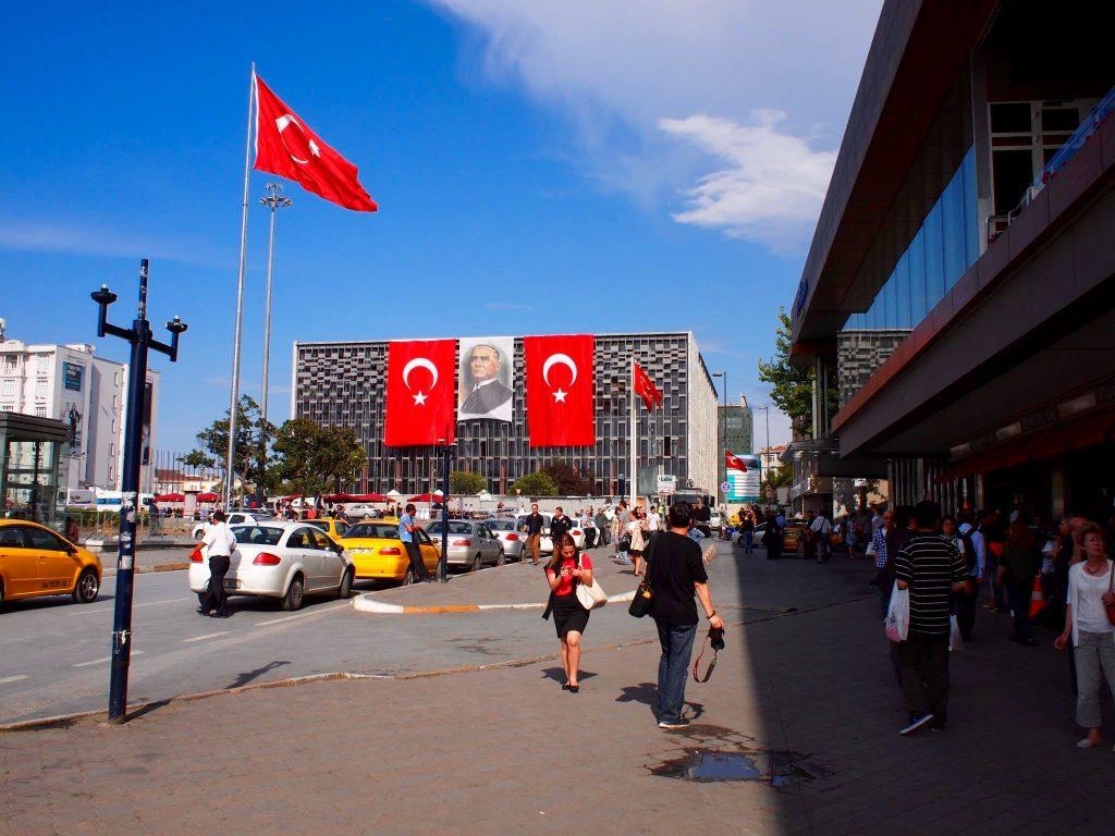 Reisverslag Istanbul: Toerisme en Traangas – Deel 1