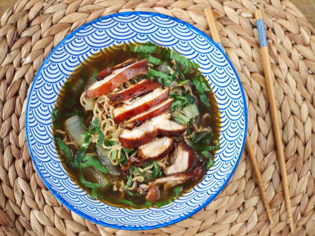 Noodle soep met Paksoi en Kip (klaar binnen 30 minuten!)