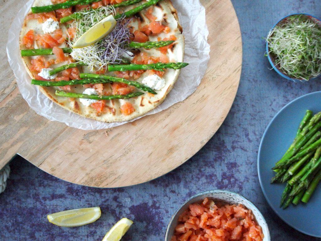 Lekker Lunchen: Libanees platbrood met zalm en asperges