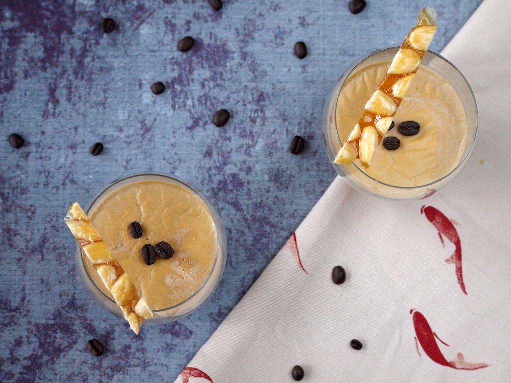 Koffie Panna Cotta met gekarameliseerde noten
