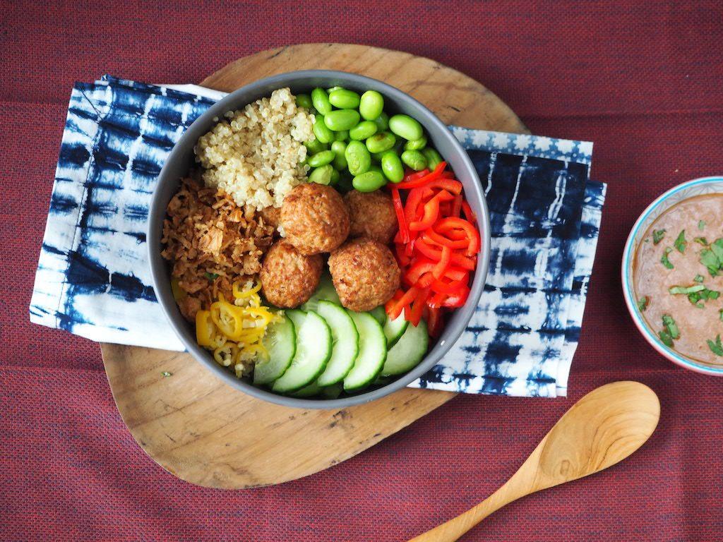 Vega Buddha Bowl met quinoa en een indo-twist