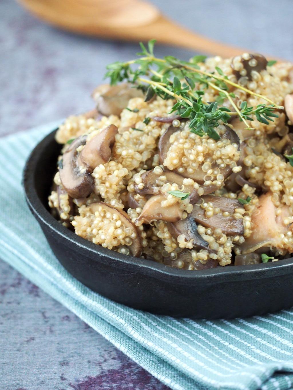 Winterse Quinoa met kip, paddenstoelen en tijm