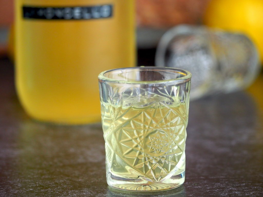 Homemade Limoncello op basis van wodka