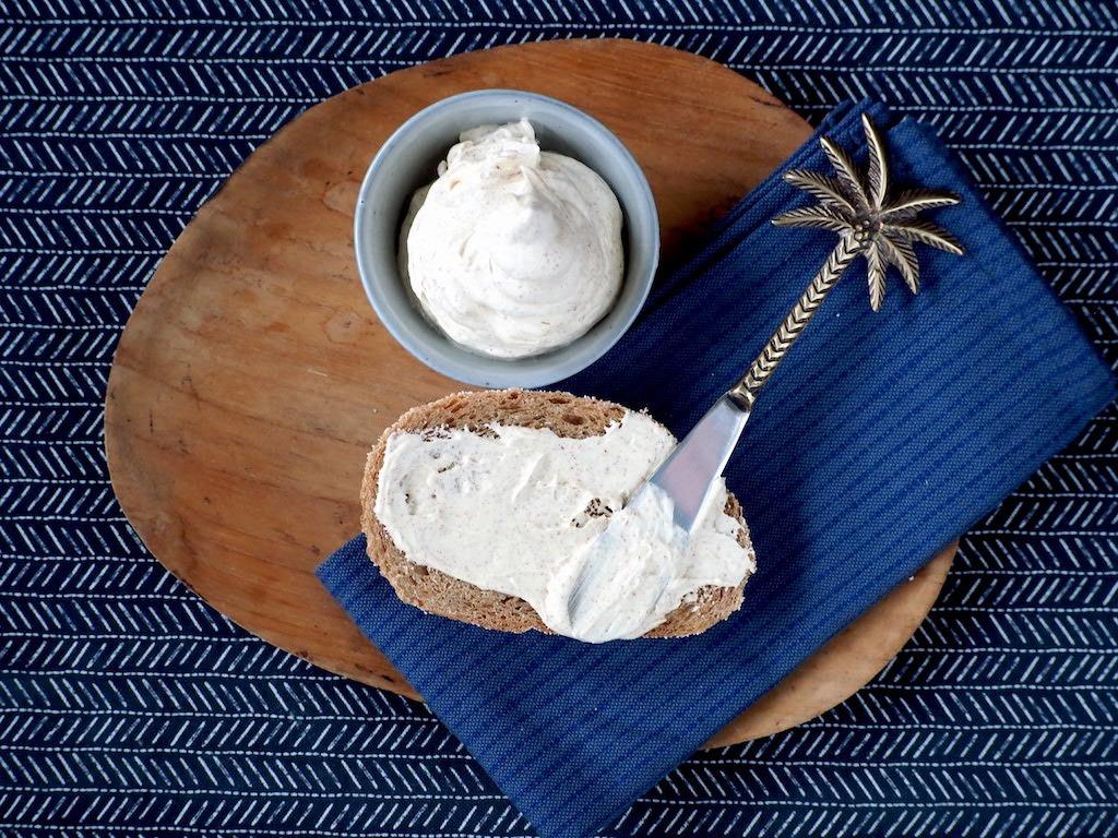 Luchtige bruine boter geïnspireerd door Ron Gastrobar