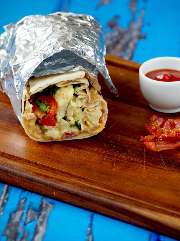 Breakfast burrito met ei en spek