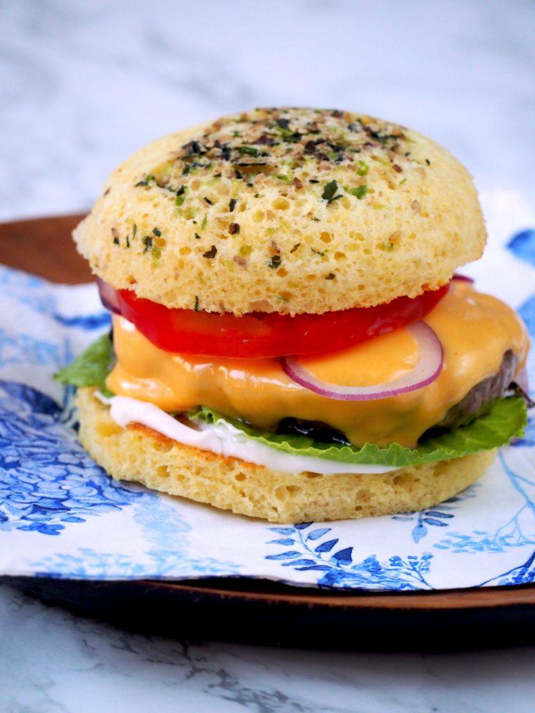 Super snelle koolhydraatarme burgerbroodjes